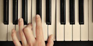 nang-cao-ki-nang-choi-dan-piano-chi-trong-3-not-nhac1