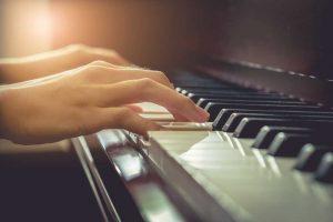 nang-cao-ki-nang-choi-dan-piano-chi-trong-3-not-nhac2